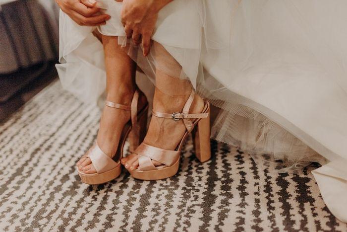 4 Zapatos ¡DESCARTÁ 1! 1