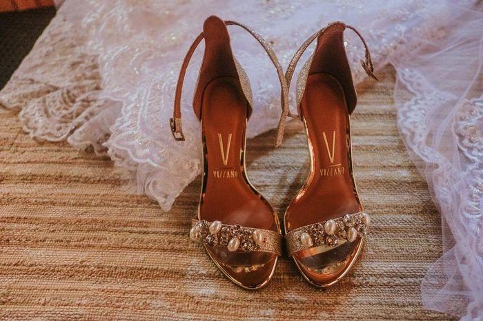 4 Zapatos ¡DESCARTÁ 1! 2