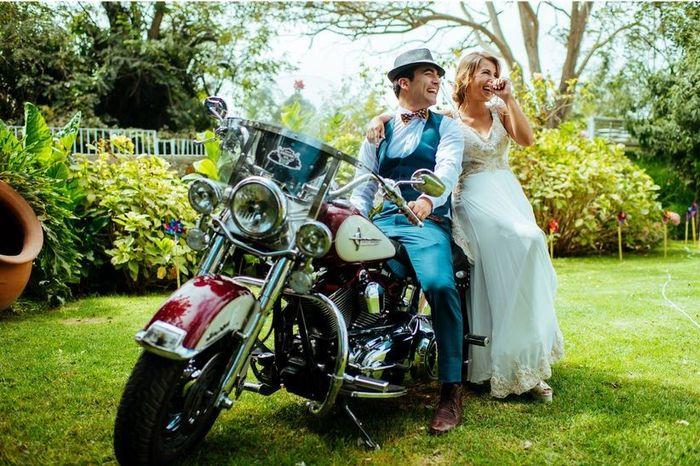 ¿Llegarían en moto a su ceremonia? 1