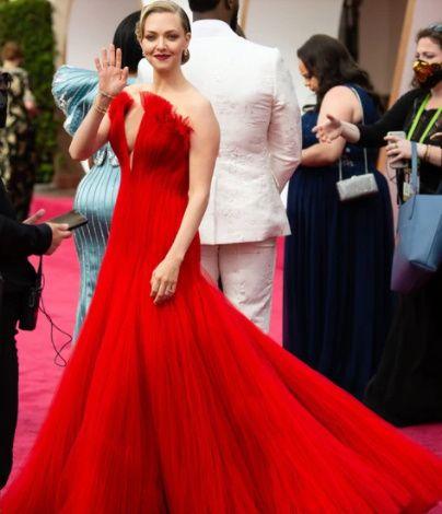 6 Looks de los Oscar 2021 de infarto...¿Cuál te mata? 2