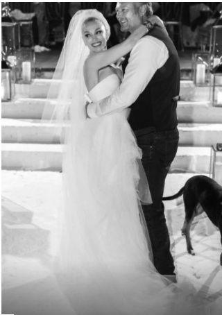 Gwen Stefani and Blake Shelton se casaron ASÍ👇 4