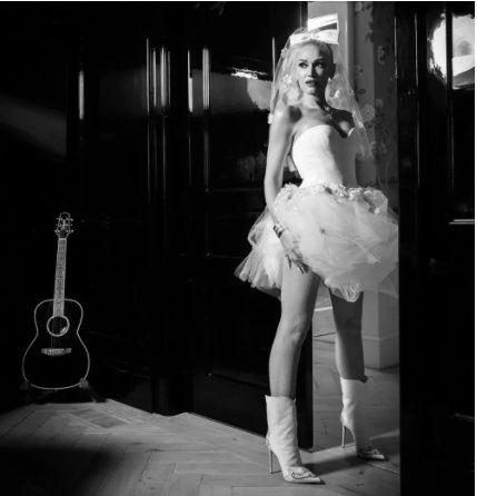Gwen Stefani and Blake Shelton se casaron ASÍ👇 6