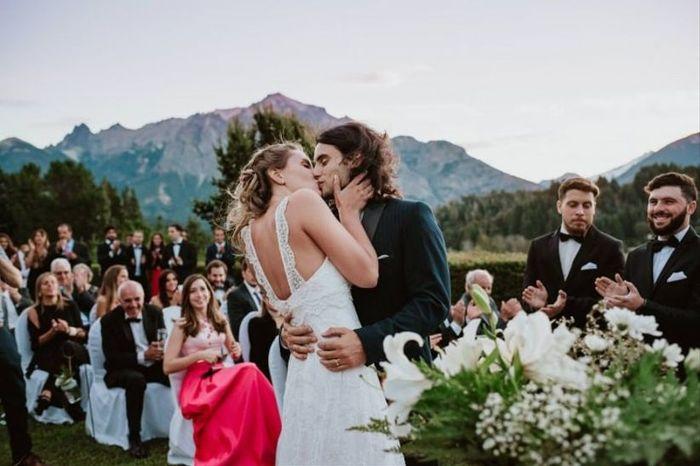 Después del 'Sí, quiero': ¿Beso o abrazo? 1