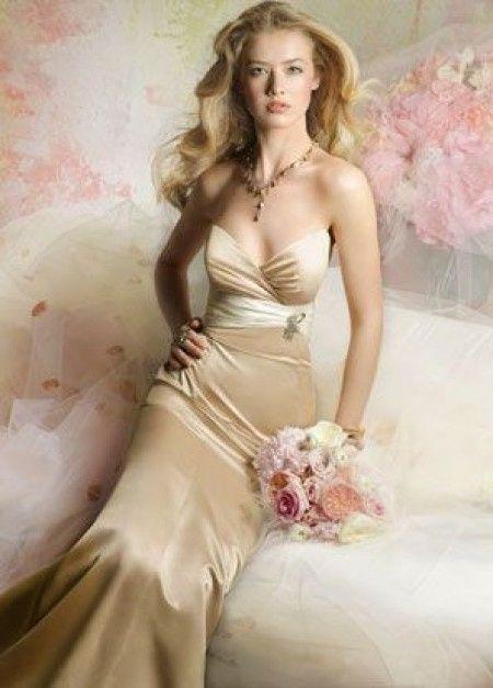 Rosa clara engaa con las telas de los vestidos - Moda