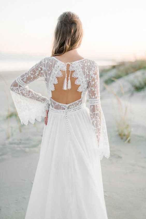 Insegura con la espalda del vestido...¿me ayudan? - 5