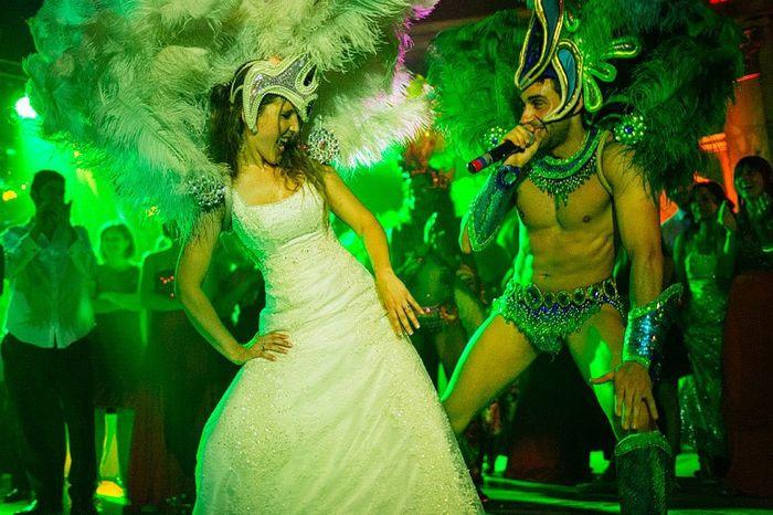 ¿Qué usa un novio en el carnaval carioca? 12