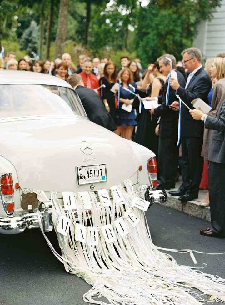 Ideas para decorar el auto el día de la boda - 11