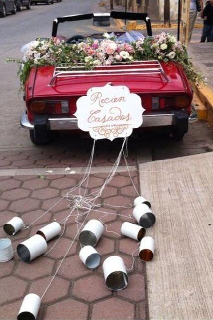 Ideas para decorar el auto el día de la boda 15