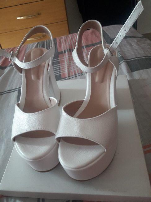 Habemus zapatos 1
