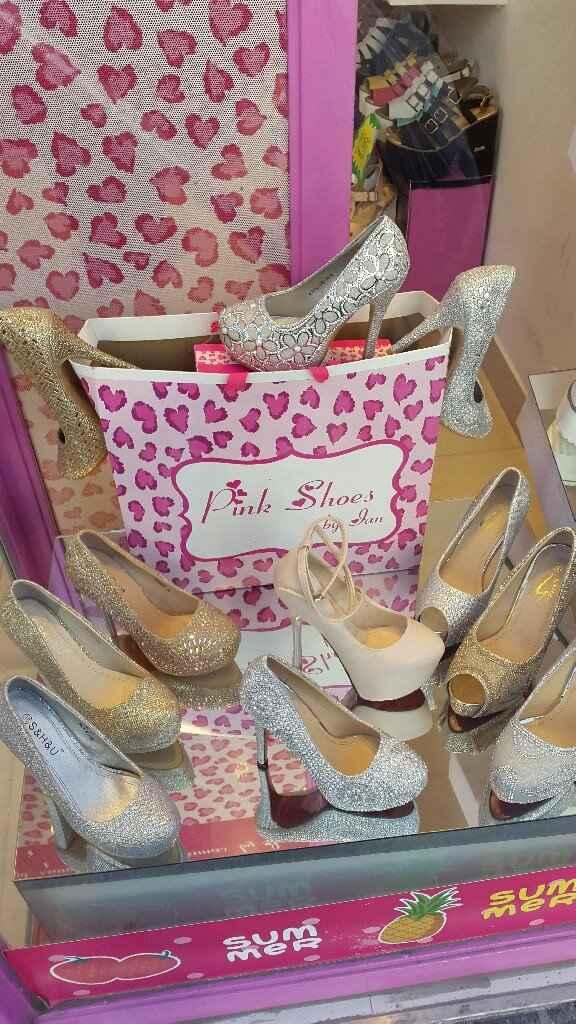Zapatos en vista - 1