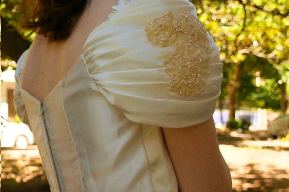 Vestido de novia, con escote