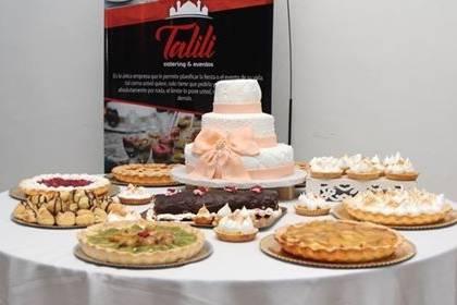 Tortas y mesas de dulces