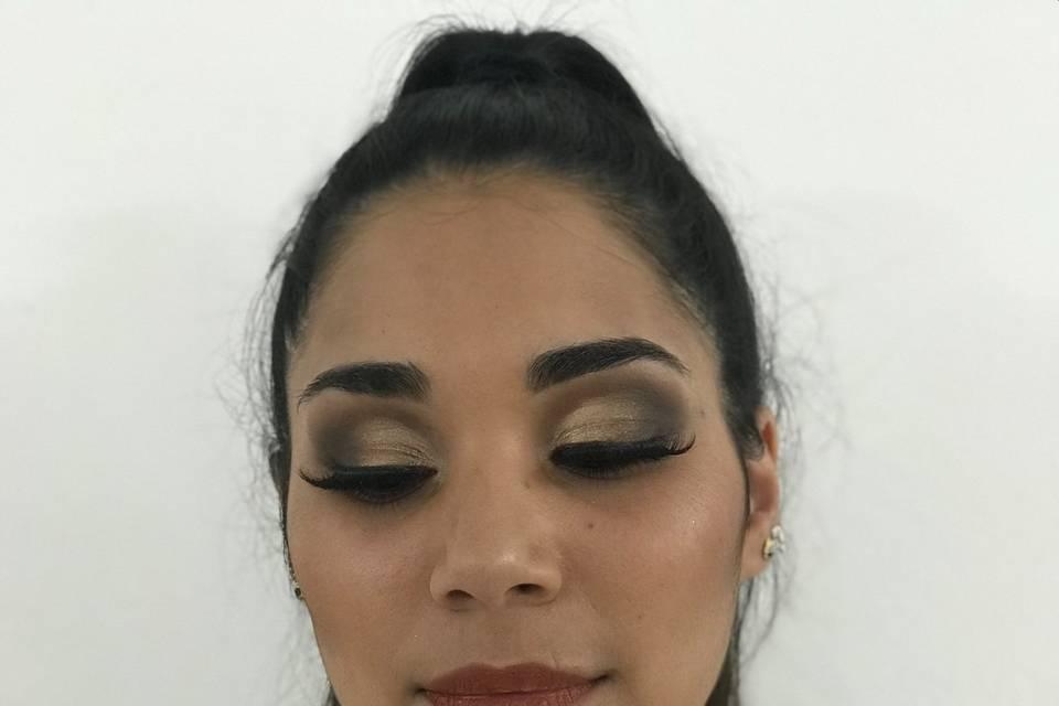 Tami Almanza Make Up