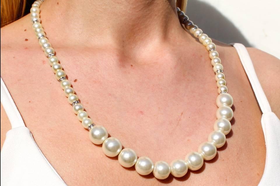 Collar de perlas de novias.