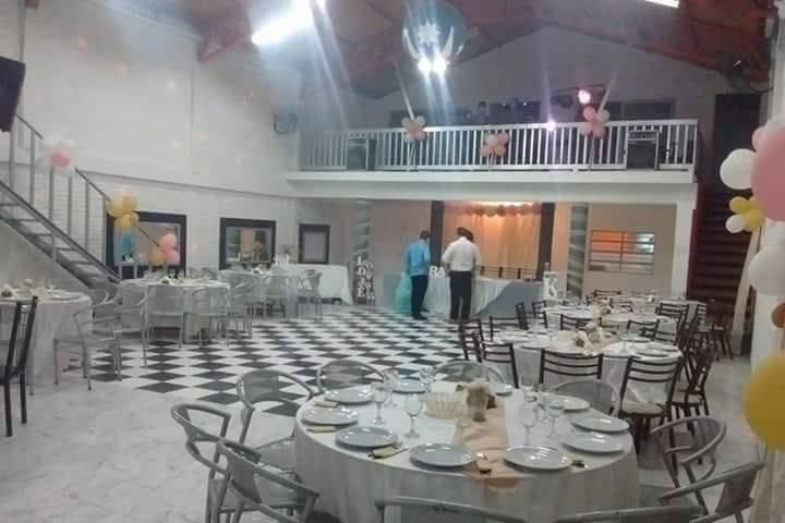 Salón de Fiestas La Familia
