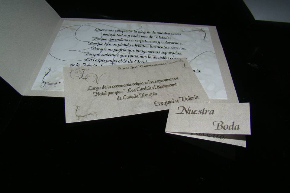 Participaciones con personal y tarjeta souvenir