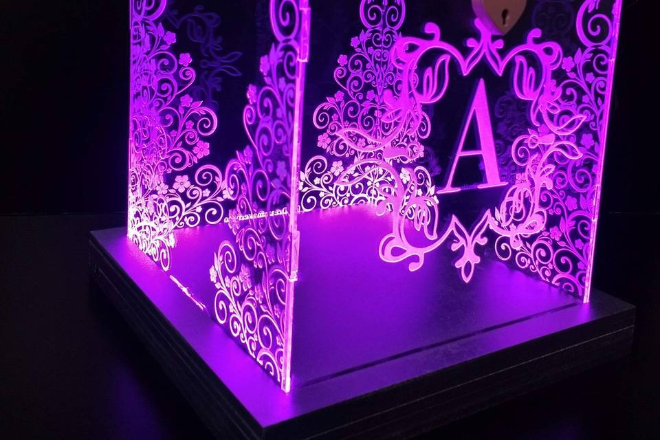 Caja para sobres iluminada