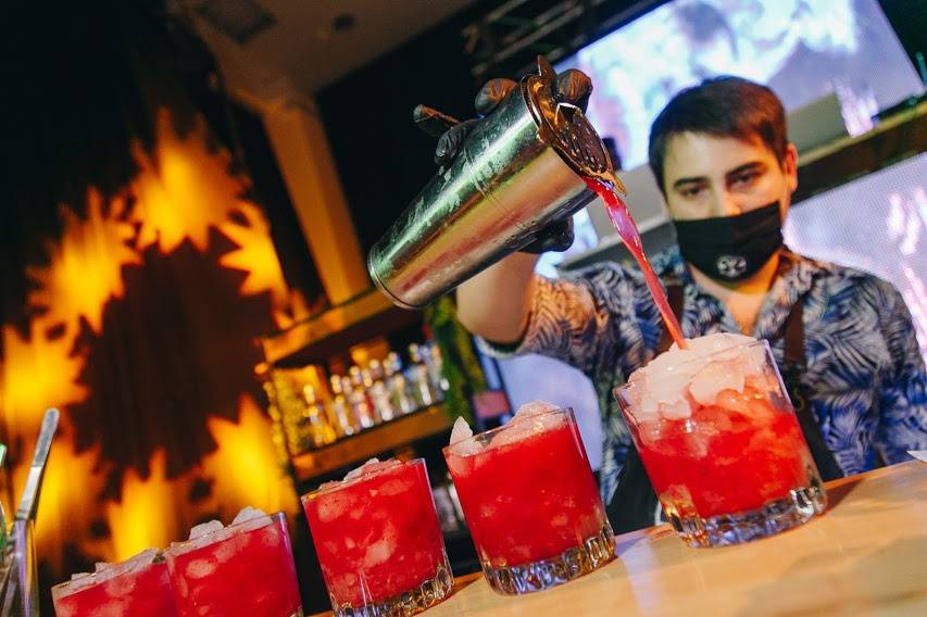 Taboo Bar Móvil