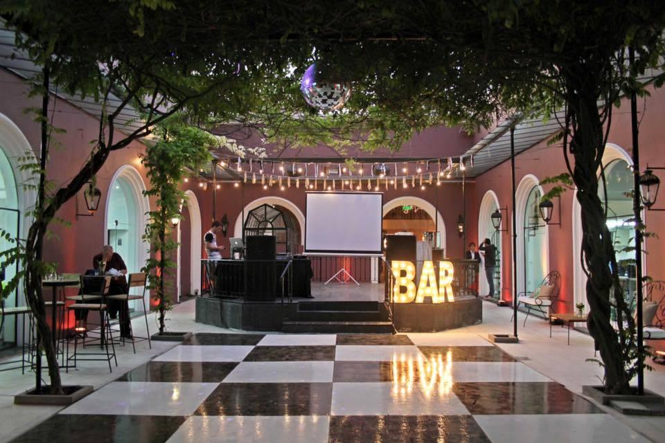 Bar XXL