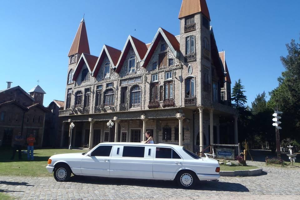 Mercedes Benz castillo
