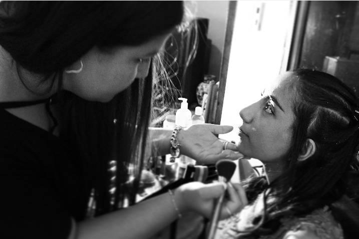 Ro Contreras Makeup