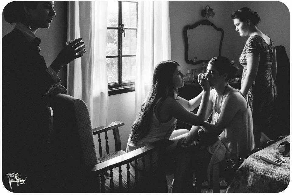 Preparativos de novia y amigas