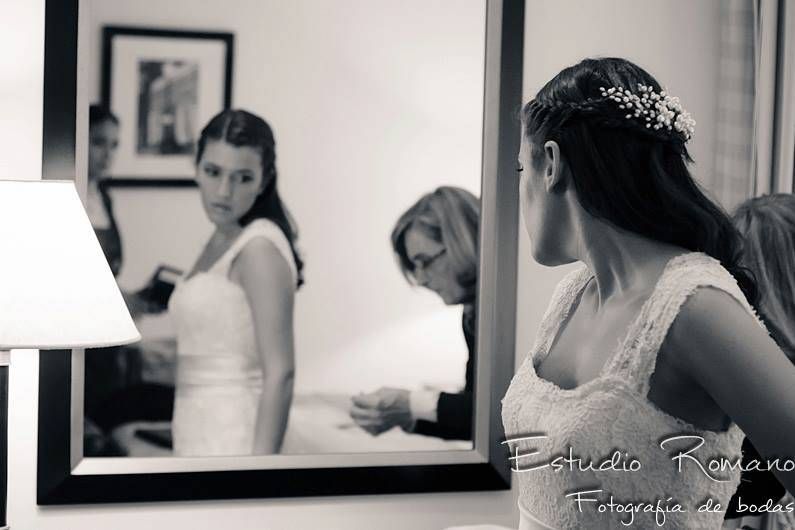 Rochi Gowland Makeup & Hair