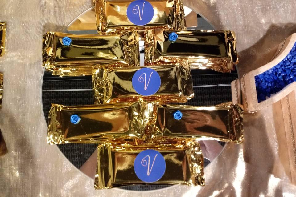 Candy bar en azul y dorado