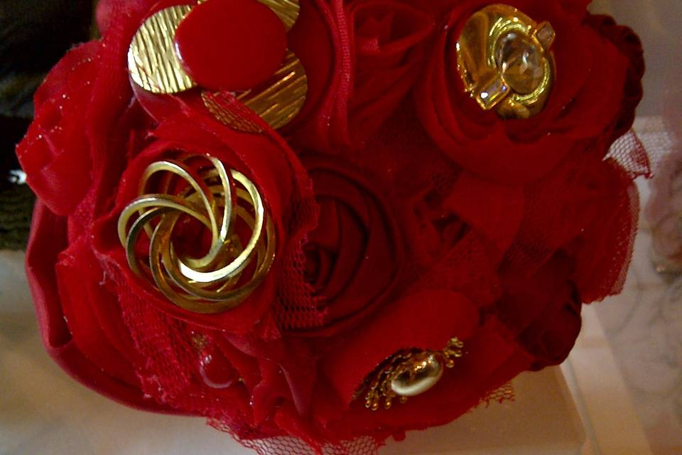 Bouquet Red Gold