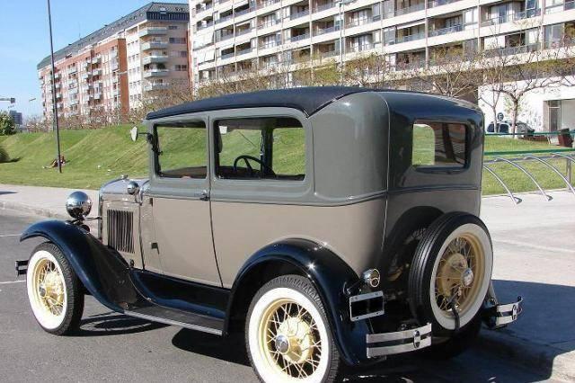 Ford A Tudor de Luxe 1931