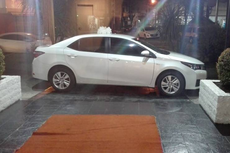 Toyota Corolla blanco perlado