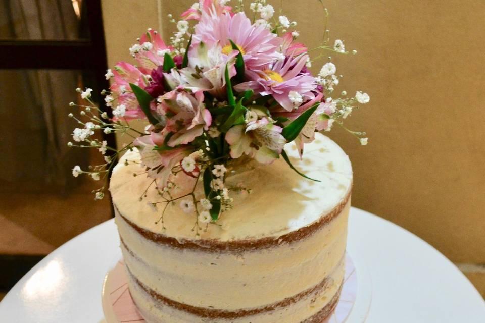 Torta semidesnuda